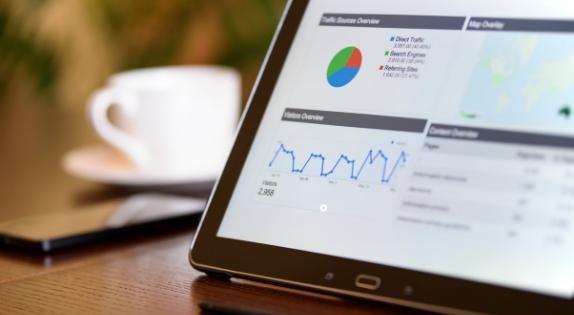 Google Analytics w sklepie internetowym – jak analizować dane by zwiększać sprzedaż?