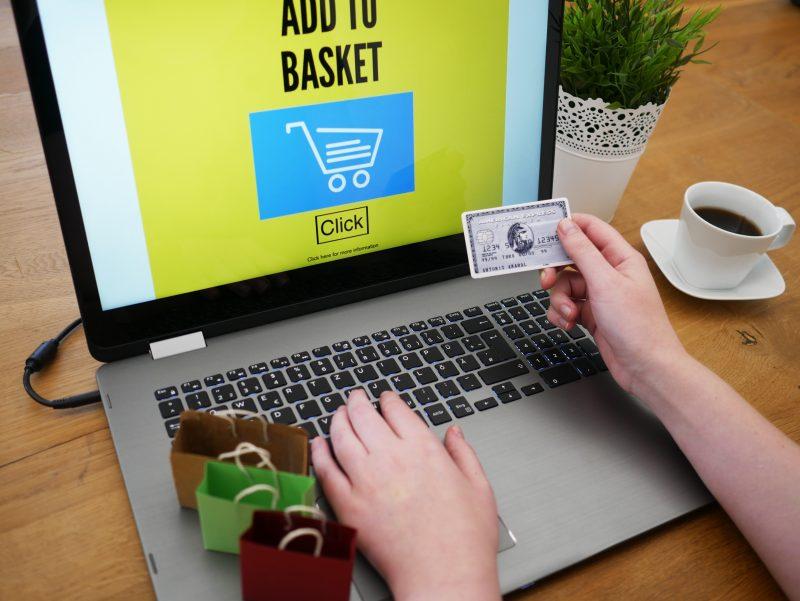 Płatności online w sklepie internetowym